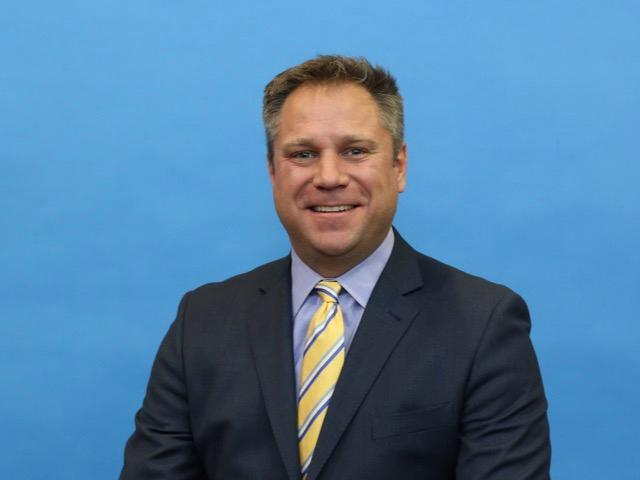 ROBERT L. KNIGHTON Insurance Agent