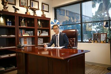 NGUYEN NGOC NGUYEN  Insurance Agent