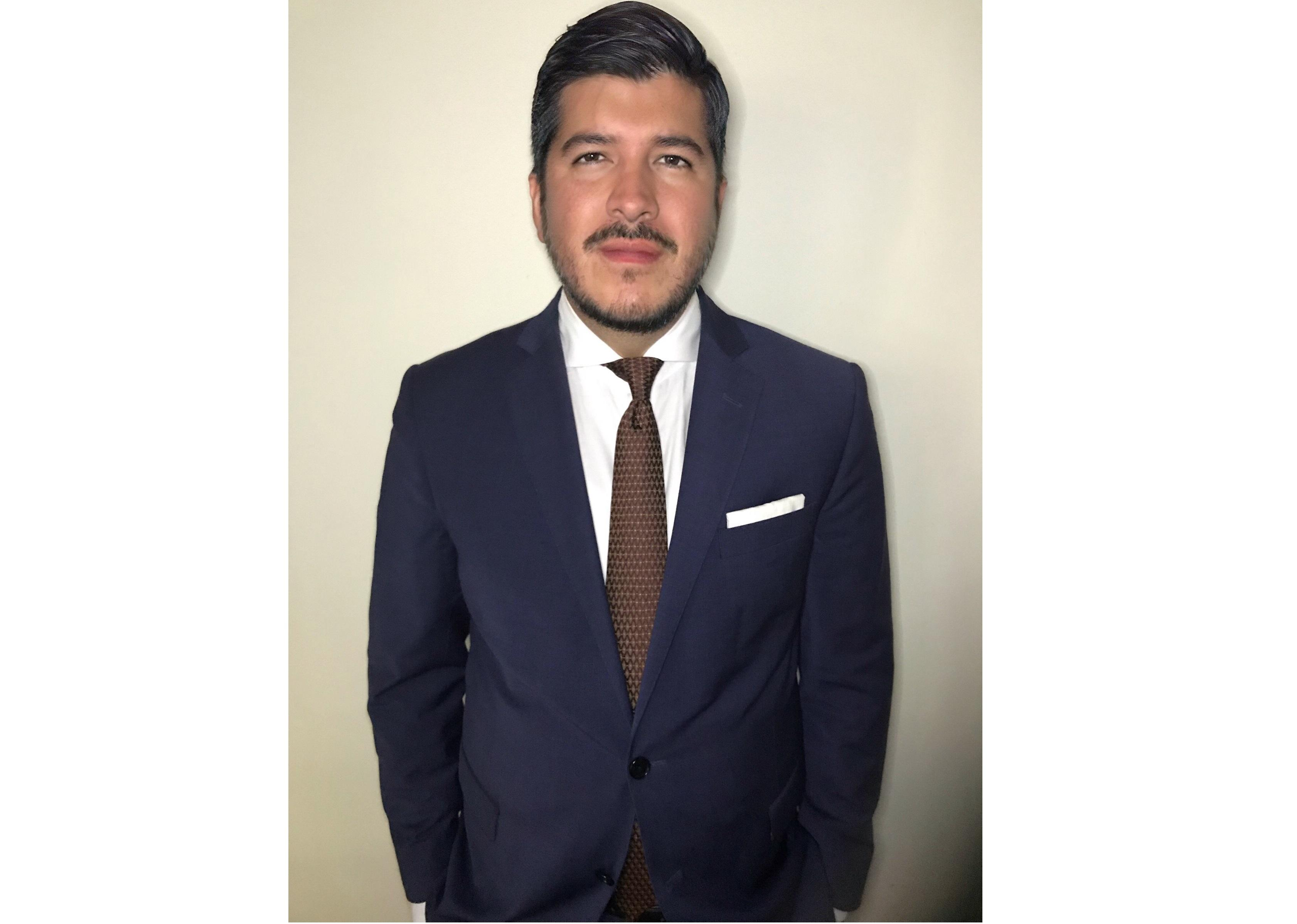 MICHAEL E. VASQUEZ SIGUENZA  Insurance Agent