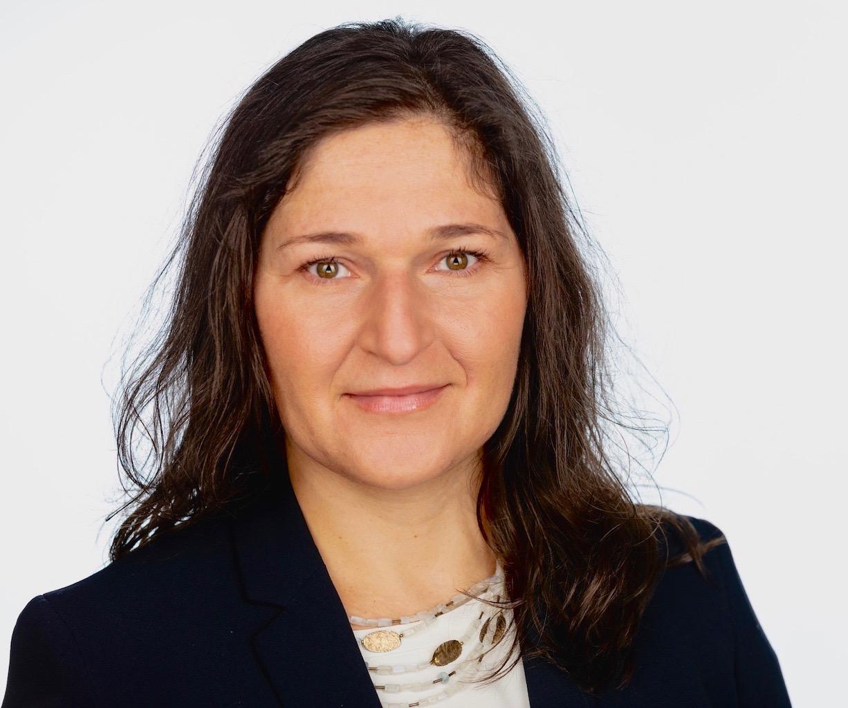 AGNIESZKA JOANNA SZOPA  Insurance Agent