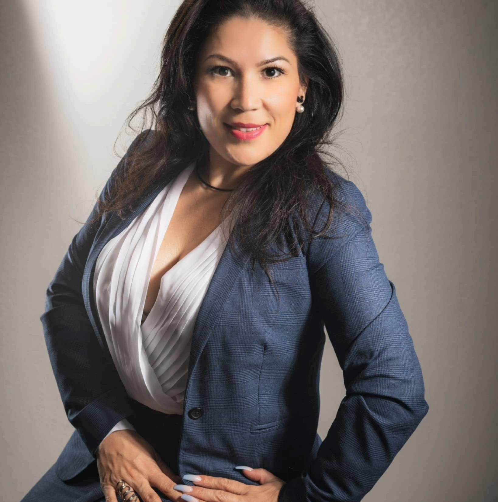 VERONICA SANDOVAL Insurance Agent