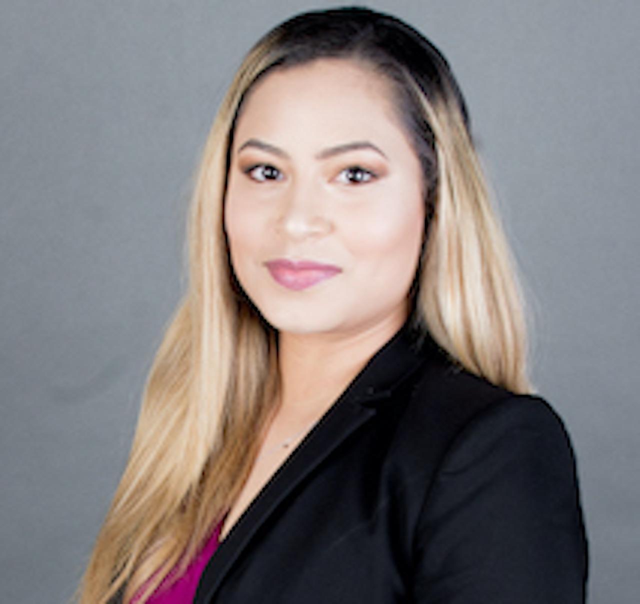 CINDY VANESA MOSCOTE RODRIGUEZ  Insurance Agent